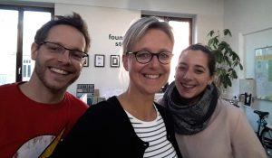 (v.l.) Rolf Gerhards, Nicola Leffelsend und Melanie Razii